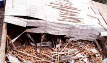 two labourers killed in house collapse - India TV