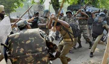 up police lathicharge protesting homeguards -...