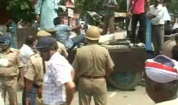 up police resorts to lathicharge on villagers in...