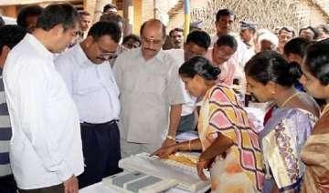 ec announces 7 phased polling in up single phase...
