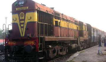 woman three kids run over by train in rajasthan -...