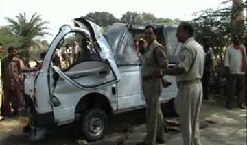 woman killed eight others injured in road mishap...