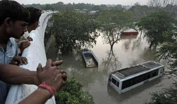 yamuna recedes fear of epidemics strikes delhi -...