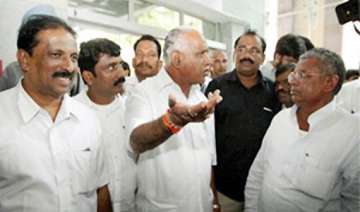 yeddy gets backing of mps mlas bjp meet for new...