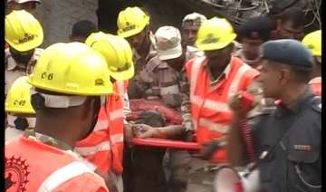 ghaziabad house collapse toll is five 16 critical...