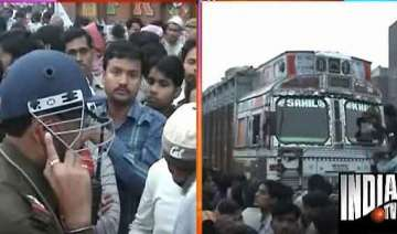 7 killed as truck runs over labourers in up -...