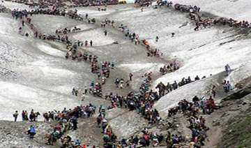 18 000 pilgrims pay obeisance at amarnath cave...