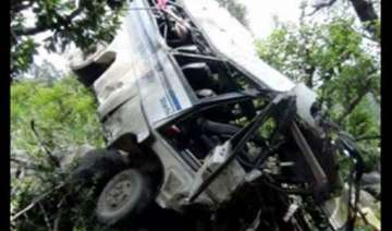 30 students injured as bus falls into pit - India...