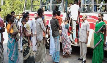118 bonded labourers rescued in tn - India TV