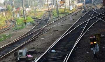 indian railway to lay 7 km tracks per day in 2016...