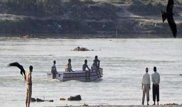 5 men drown in yamuna during holi revelry - India...