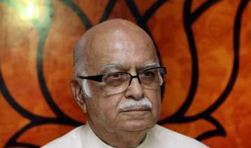 advani bats for compulsory voting - India TV