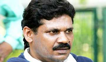 bjp mp kirti azad arrested in bihar given bail -...
