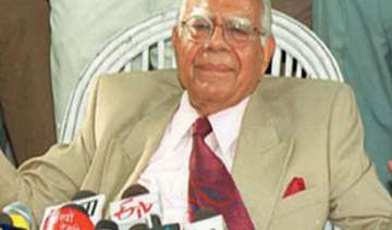bjp sends show cause notice to jethmalani over...
