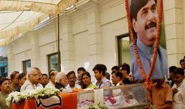 cabinet passes resolution condoling munde s death...