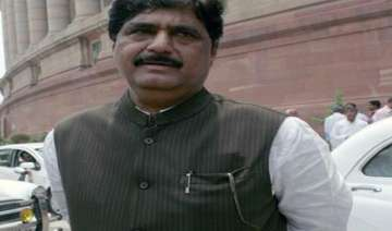 ec sends notice to gopinath munde on poll...