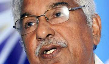 i ve faced worse times says kerala cm oommen...