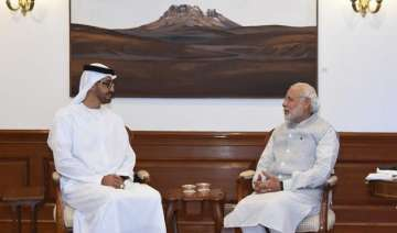 pm modi crown prince of abu dhabi hold close door...