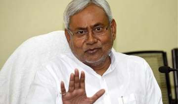 nitish supports kejriwal on chief secretary issue...