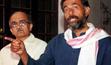bhushan and yadav launch new group of aap rebels...