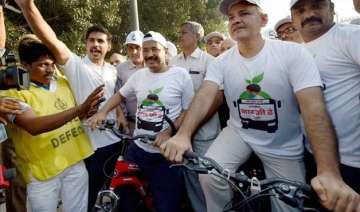 car free day arvind kejriwal on cycle with...