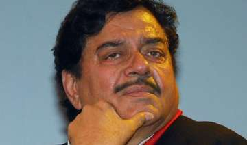 shatrughan sinha denies to be sulking says will...