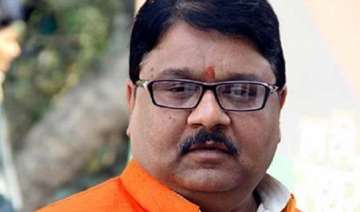 bjp questions akhilesh on bodies found in ganga...