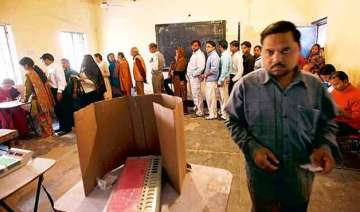 over two lakh discrepancies in delhi electoral...