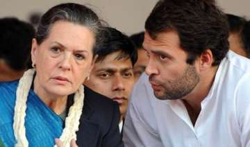 disruptions in parliament govt blames sonia rahul...
