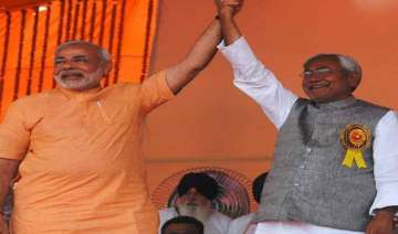 nitish kumar praises narendra modi for very quick...