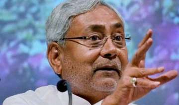 nitish kumar heckled during bihar foundation...