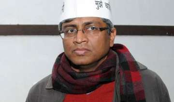 ashutosh defends aap over farmer s suicide fake...