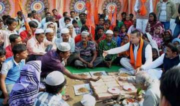 seers vhp leaders favour anti conversion law...