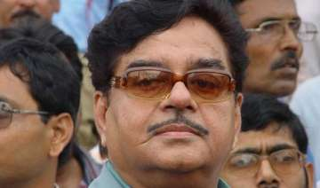 shatrughan says not invited to bjp programme on...