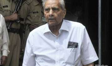 delhi polls shanti bhushan praises bjp s chief...