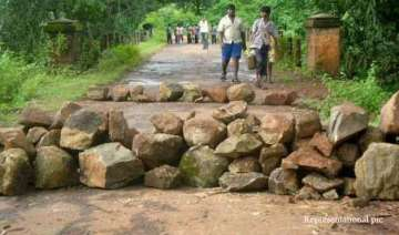cms meet to speed up road links in maoist hit...