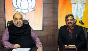 bjp top brass meets to chalk out plans for delhi...
