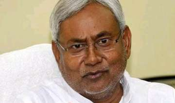 nitish dismisses speculation about manjhi s...