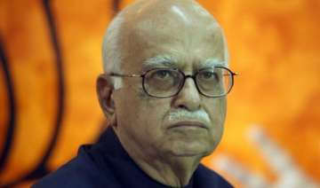 advani supports opposition at crucial meet on net...