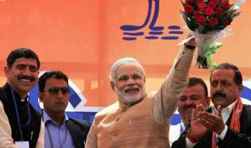 modi a man mesmerised by own persona - India TV