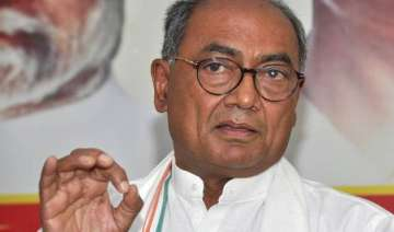 digvijay singh slams aap for farmer suicide in...
