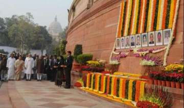 pm modi pays tribute to martyrs of 2001...