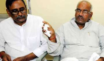consensus in jd u over merger with rjd - India TV