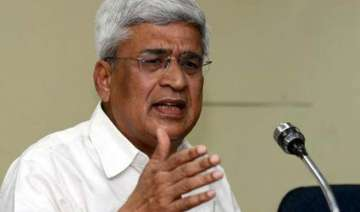 prakash karat accuses mulayam of betraying common...