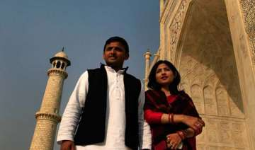 jab they met akhilesh and dimple yadav - India TV