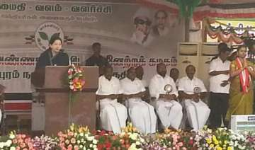 jayalalithaa goes all guns blazing for 40 seats -...
