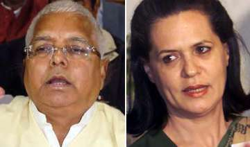 lalu meets sonia in a bid to get maximum support...