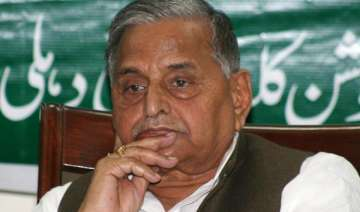 losers trying to enter sp says mulayam - India TV