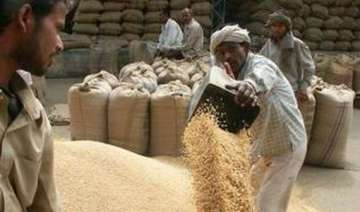mp bjp cong rush to take up farmers cause ahead...