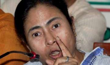 mamata faces protests loses cool during visit to...